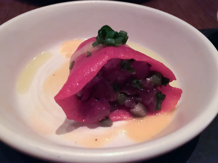Piquillo filled with raw tuna, saffron sauce, Gato