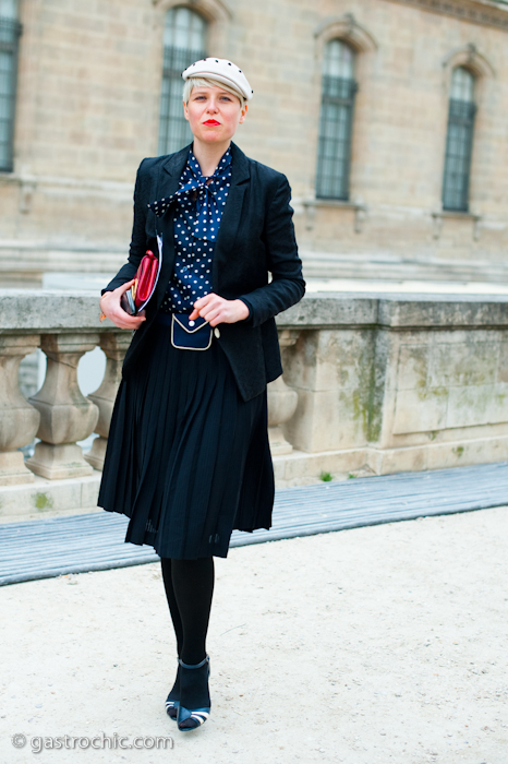 http://www.gastrochic.com/wp-content/uploads/2011/03/navy-blue-with-polka-dots-louis-vuitton.jpg